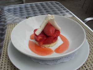 Vanilla cake with strawberry salad and red wine sorbet
