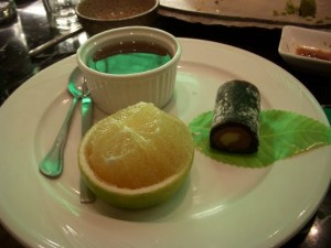 Red bean soup, mochi, and green-skinned orange