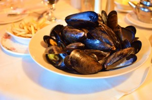 Mussels mariniere with french fries
