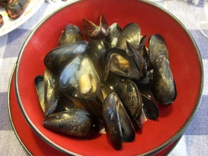 Delicious steamed mussels with garlic and white wine