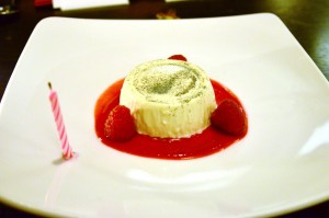 Vanilla panna cotta, raspberry coulis